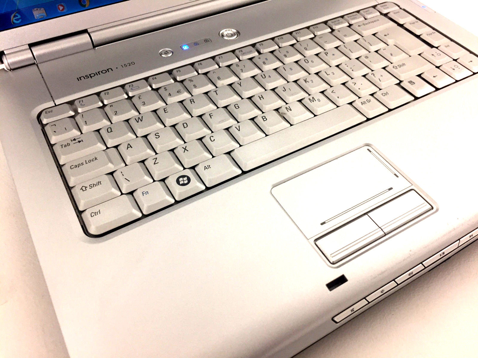 Dell Inspiron 1520 No 3