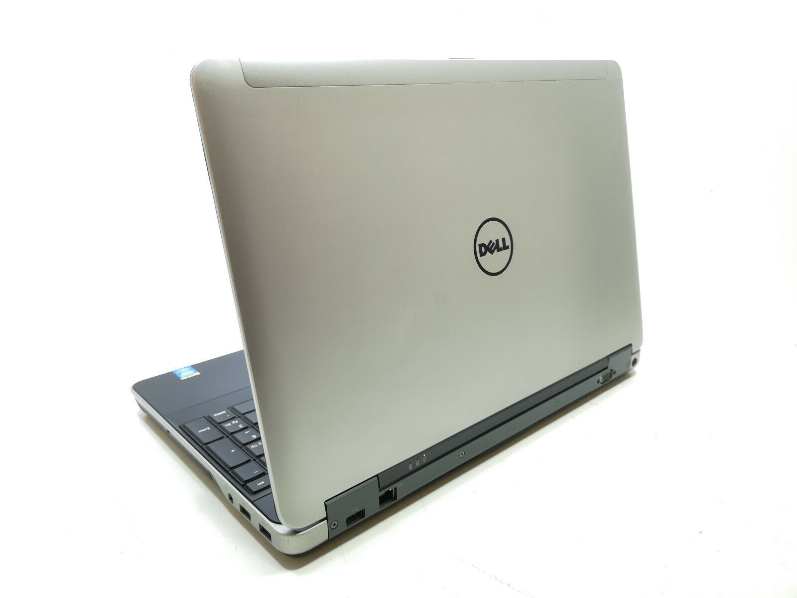 Dell Precision M2800 No 6
