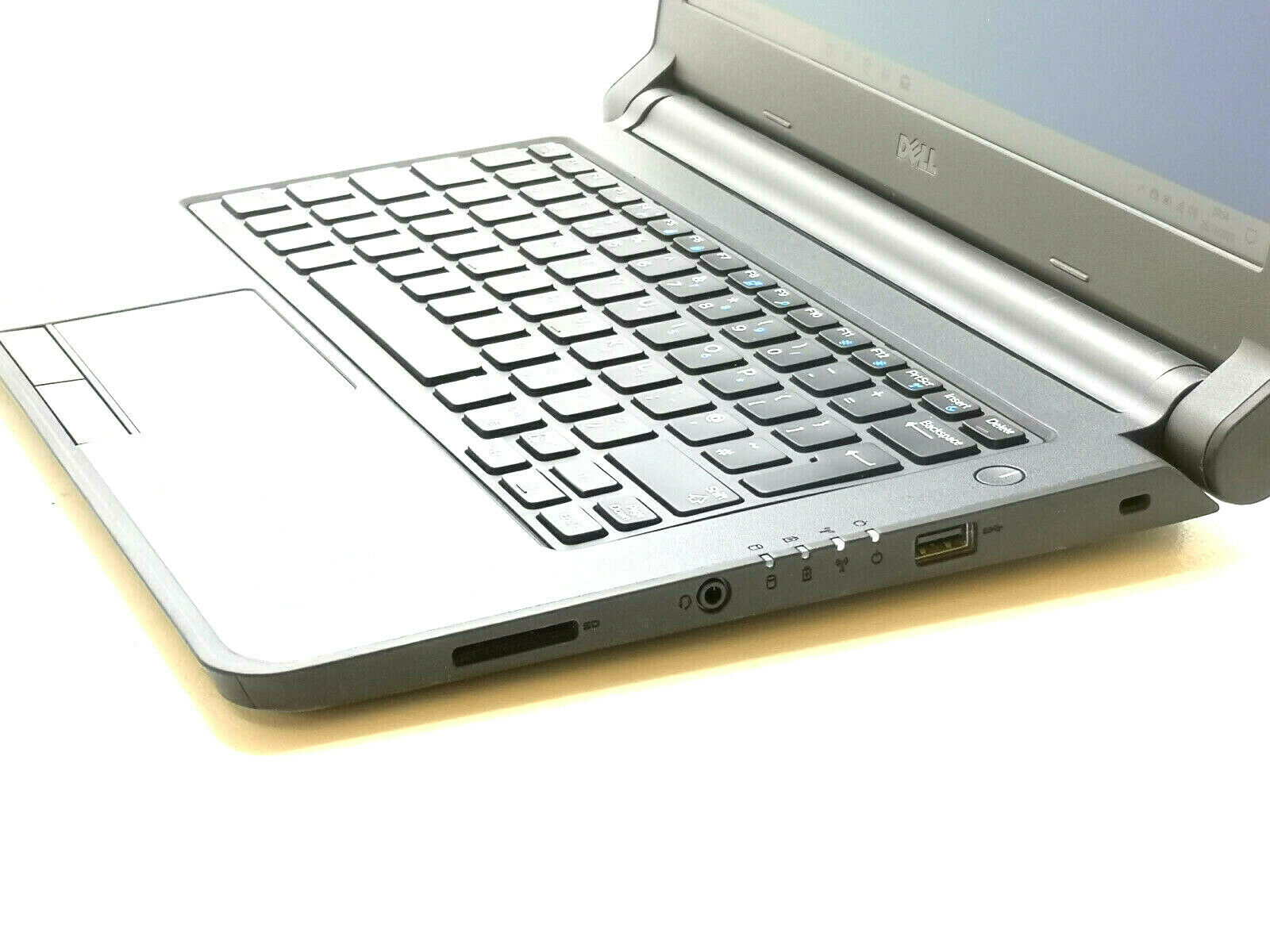 Dell Latitude 3350 No 3