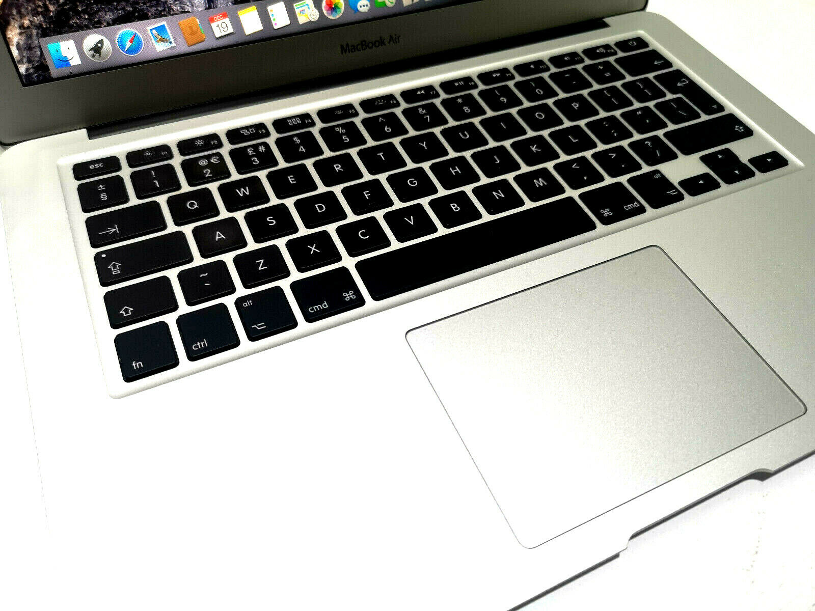 Apple MacBook Air A1466 No 2